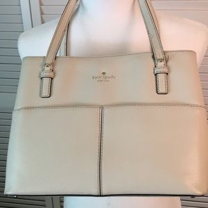 Kate Spade Shoulder Bag Purse. Cream. 9 Section.